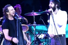 Pearl Jam & Ben Bridwell Cover Temple Of The Dog's