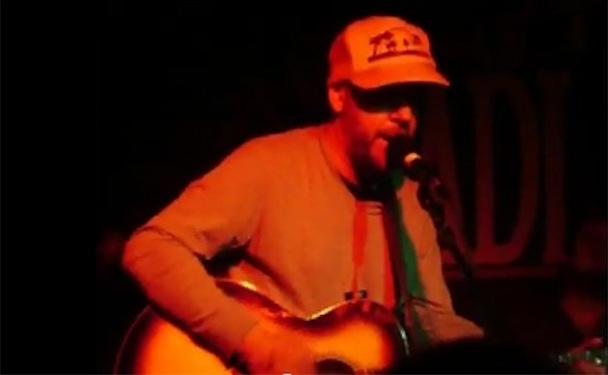 "Jason Lytle & Midlake – ""I Need You"" (America Cover) Live Video"