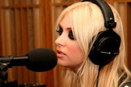 Taylor Momsen Covers The xx And Rihanna AT THE SAME TIME