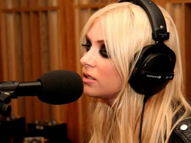 Taylor Momsen's The Pretty Reckless Covers The XX And Rihanna