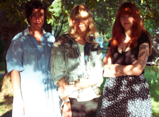 "Vivian Girls – ""Take It As It Comes"""