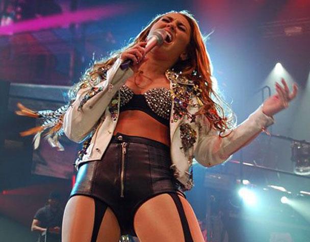 Miley Cyrus Covers Gorillaz