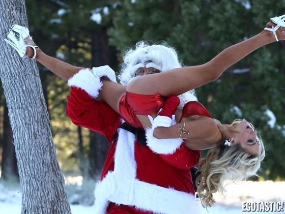courtney-stodden-christmas-shoot-08-580x435