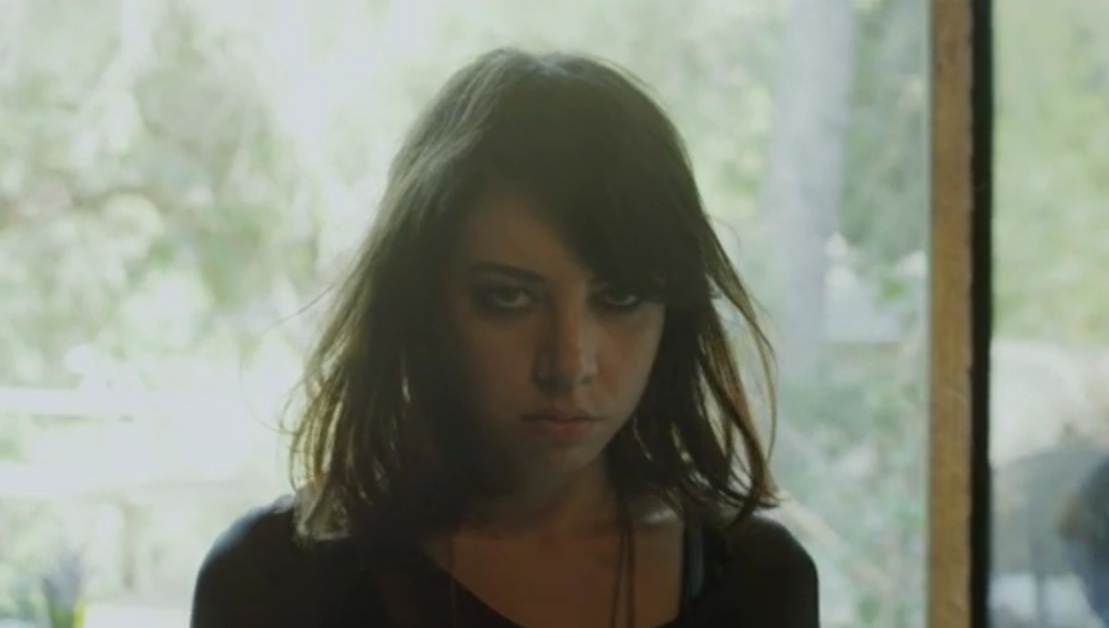 "Father John Misty (J. Tillman) – ""Hollywood Forever Cemetery Sings"" Video (Feat. Aubrey Plaza)"