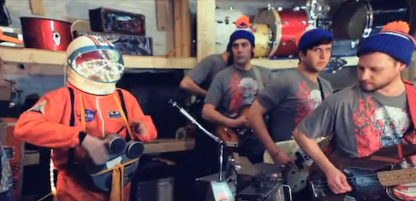 """Dr. Dog – """"That Old Black Hole"""" Video"""