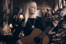 """Laura Marling - """"All My Rage"""" Video"""