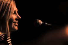"Saint Etienne - ""Tonight"" Video"