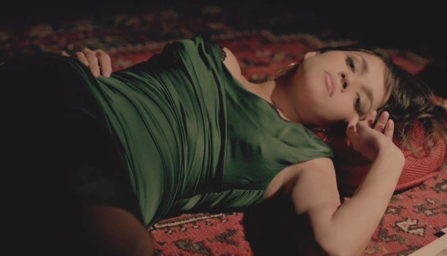 """Norah Jones - """"Happy Pills"""" Video"""