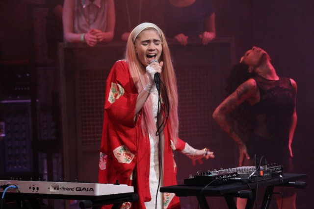Grimes On Late Night With Jimmy Fallon 8/14/12
