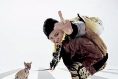 """G-Dragon - """"One Of A Kind"""" Video"""
