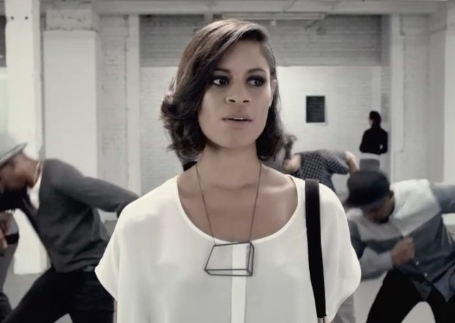 "AlunaGeorge - ""Your Drums, Your Love"" video"