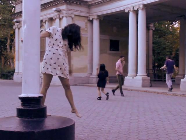"Deerhoof - ""Fete D'Adieu"" Video"
