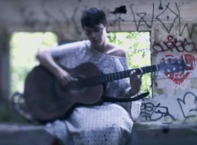 "Kaki King - ""Cargo Cult"" Video"