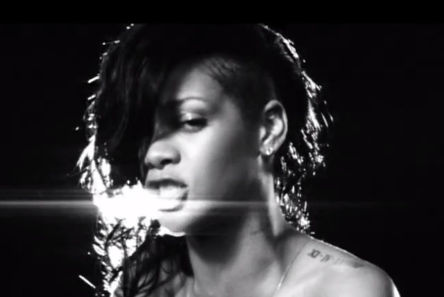 "Rihanna - ""Diamonds"" Video"