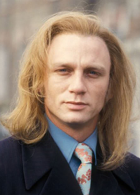 Daniel Craig With Long Hair Just Looks Like Someone Photoshopped