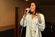 "Hear AlunaGeorge Debut ""Body Music"" & Cover Frank Ocean On BBC 1Xtra's Live Lounge"
