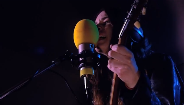 "Watch HAIM Play ""Falling"" On BBC 1"