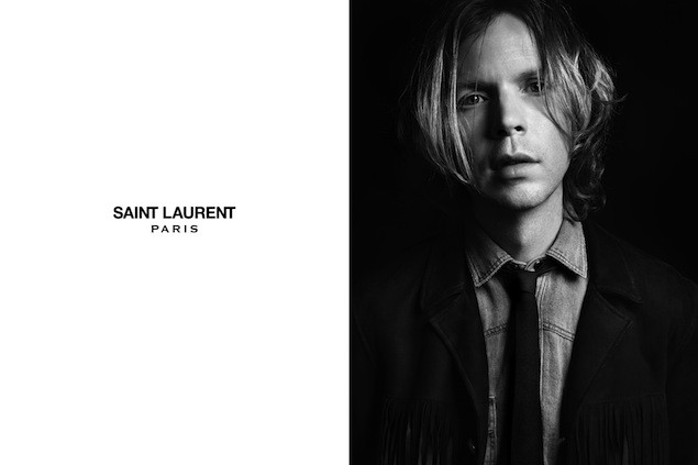 Beck models for yves saint laurent stereogum for Miroir yves saint laurent