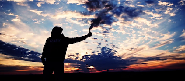 Flosstradamous - Look At The Sky Feat Deniro Farrar