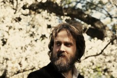 "Hear Iron & Wine Debut ""Caught In The Briars"" & ""The Waves Of Galveston"" On Austin's KUTX"