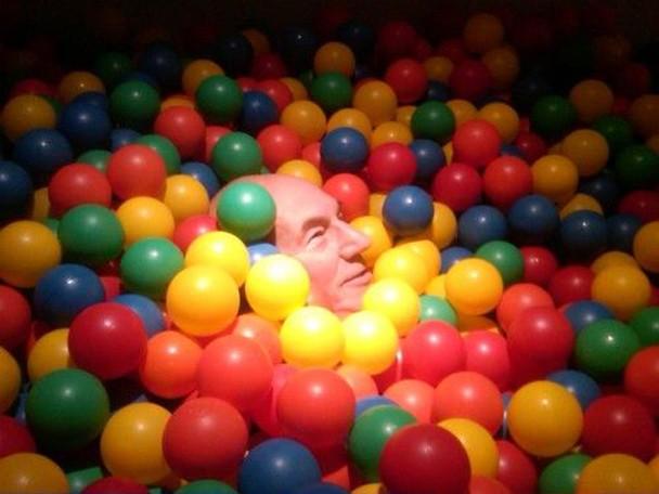patrick_stewart_ball_pool