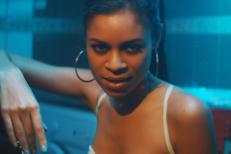 """AlunaGeorge - """"Attracting Flies"""" video"""