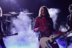 "The Darkness - ""With A Woman"" Video"