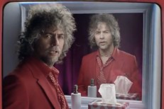 Wayne Coyne In Virgin Mobile Commercial