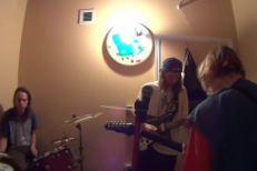 "Watch DIIV Rehearse New Song ""Dust"""