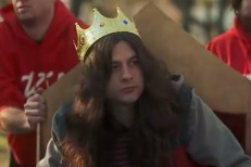 "Kurt Vile - ""KV Crimes"" video"