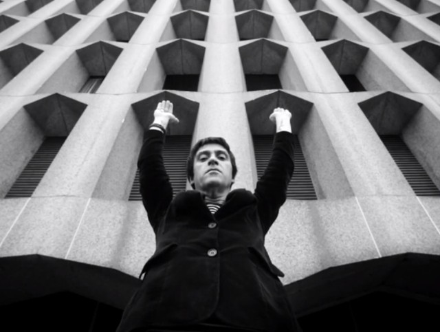 """Johnny Marr - """"New Town Velocity"""" video"""