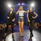 Watch Tegan And Sara Perform With Taylor Swift In L.A.