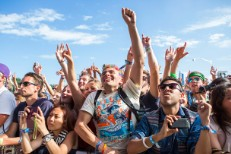 Sponsored: 10 Fashion Trends That Ruled Lollapalooza 2013 + Win A $150 Converse Gift Card