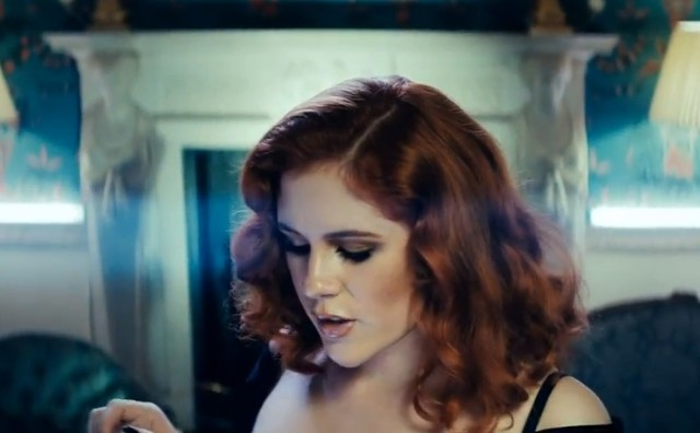 "Katy B - ""5AM"" video"