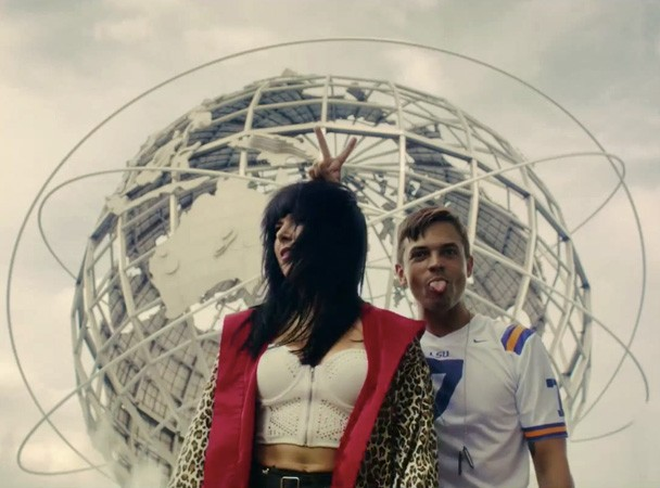 "Sleigh Bells - ""Bitter Rivals"" Video"