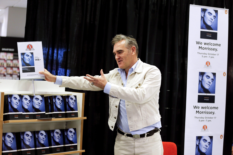 """Morrissey: """"I Am Not Homosexual"""""""
