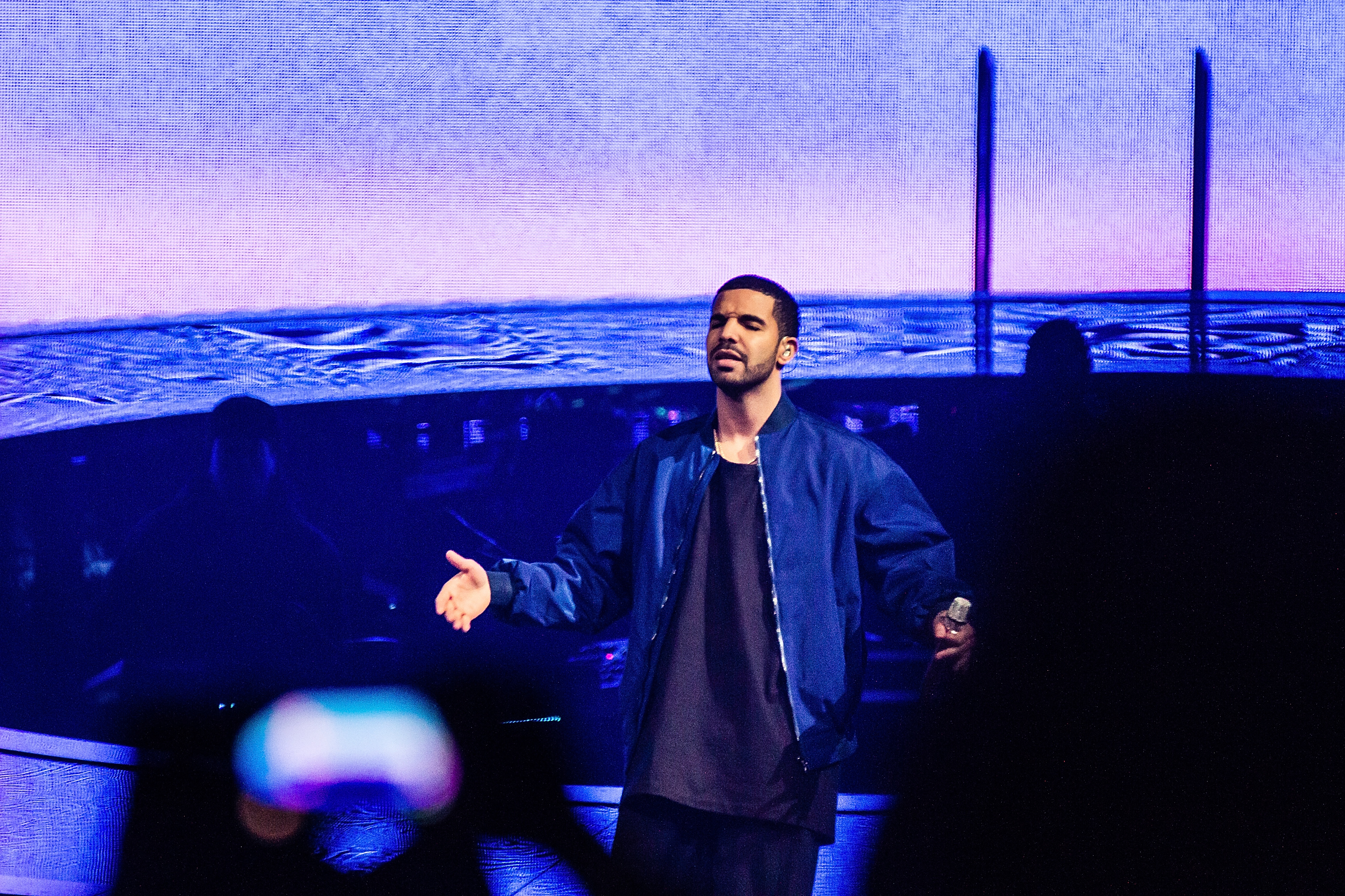Drake Cancels Second Night Of Troubled Tour (UPDATE: Kanye Too)
