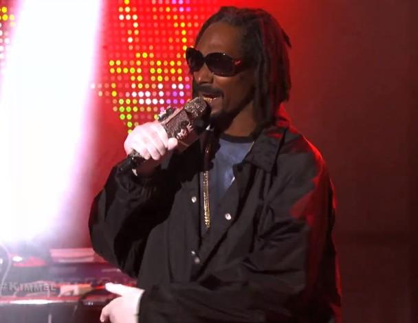 Watch 7 Days Of Funk (Snoop Dogg &#038; DāM-FunK) Play <em>Kimmel</em>