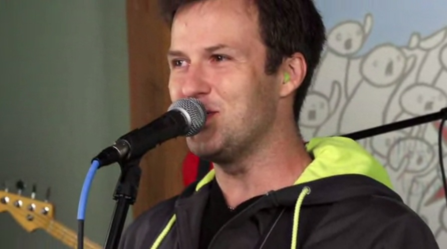 "Watch The Dismemberment Plan Cover Heart's ""Barracuda"""