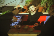 """Popstrangers – """"Rats In The Palm Trees"""" Video"""