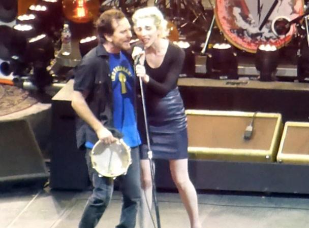 Pearl Jam & St. Vincent