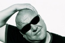 Frank Black Responds To Fan Response To Kim Shattuck's Firing From The Pixies