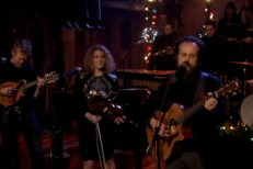 Watch Iron &#038; Wine, Calexico, Kathleen Edwards &#038; Glen Hansard Cover &#8220;Fairytale Of New York&#8221; On <em>Fallon</em>