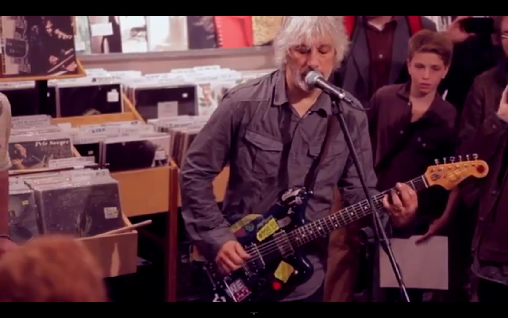 "Watch ""Lee Ranaldo Wants To Teach You Guitar"""