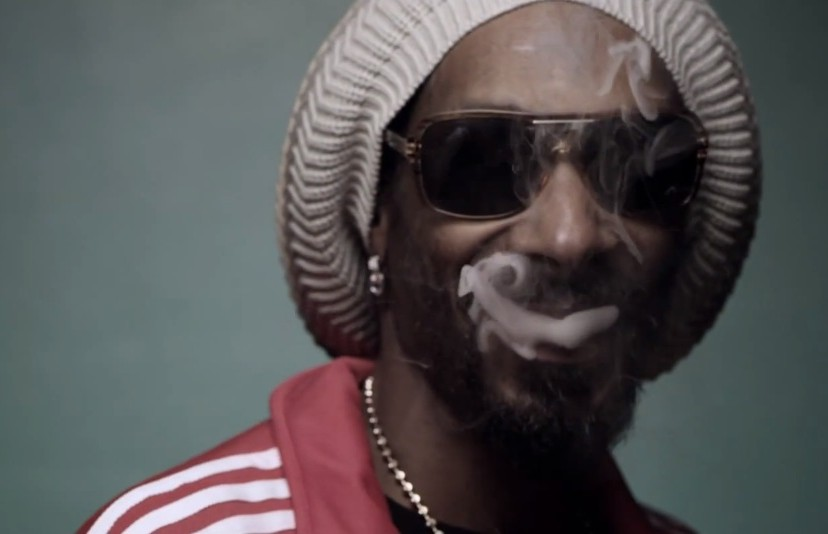 """Snoop Lion – """"Smoke The Weed"""" (Feat  Collie Buddz) Video"""