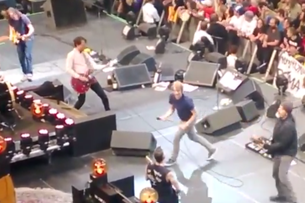 Watch Members Of Soundgarden & Mudhoney Join Pearl Jam's Tour Closer In Seattle