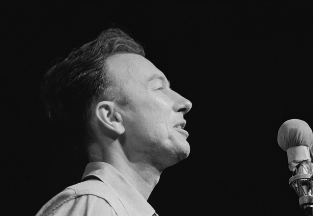 Pete Seeger At Newport Folk Festival '63