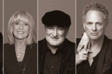 Fleetwood Mac Plan Album And Tour With Christine McVie