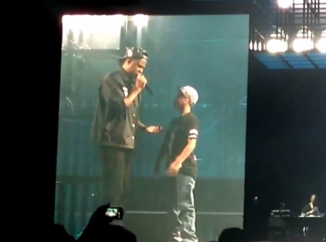 Jay Z brings kid on stage