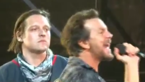 """Watch Win Butler And Pearl Jam Cover """"Rockin' In The FreeWorld"""" In Australia"""